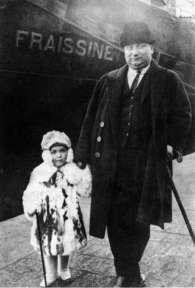 Logothetis with his father (1925)